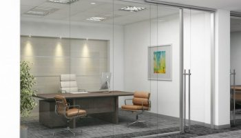 trendy_cool_office__frameless_glass_demountable_wall__office_design-950x722
